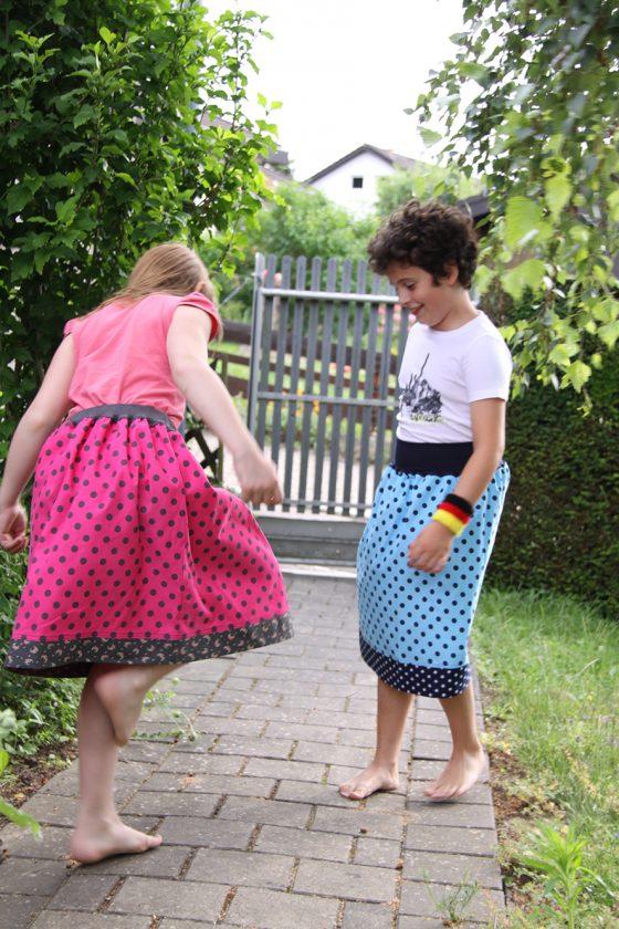 Samtrock für Mädchen in pink und blau